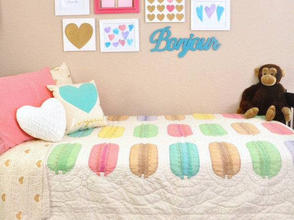 Pink Teal Macaron Heart Themed Girls Room Ideas