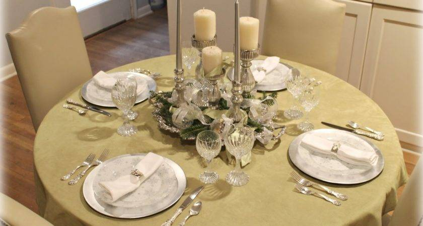 Popular Gold Christmas Table Centerpieces