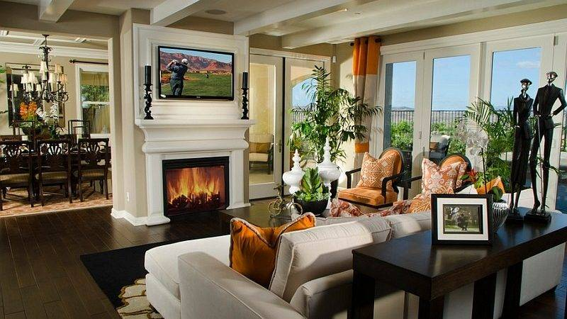 Putting Above Fireplace Interior