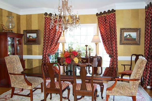 Red Gold Dining Room Decor