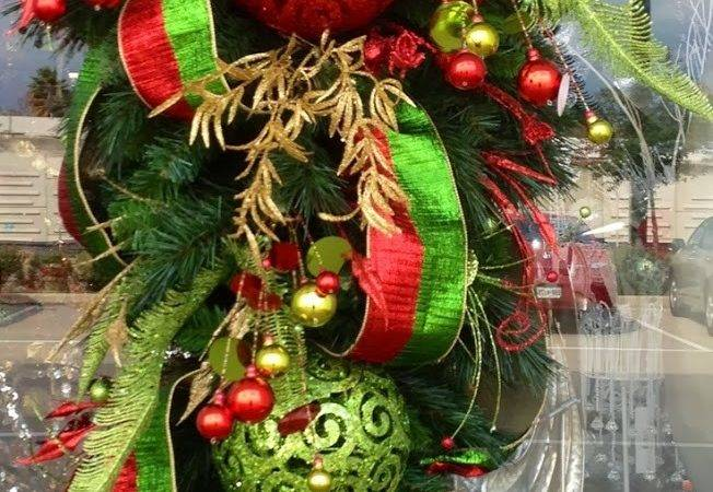 Red Gold Green Christmas Teardrop