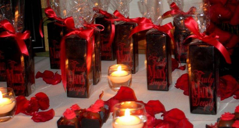 Red White Black Wedding Table Decorations
