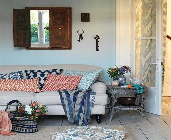 Relaxed Living Room Tribal Cushions