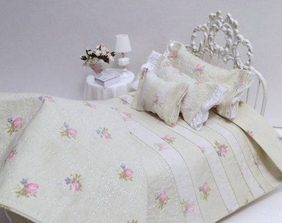 Sage Green Pink Roses Shabby Cottage Chic Quilted Scale