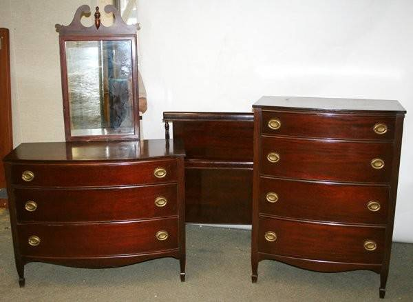 Sheraton Style Mahogany Bedroom Set Lot