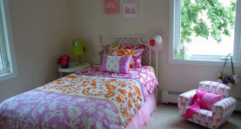 Simple Tips Decorating Teenage Girl Bedroom Ideas