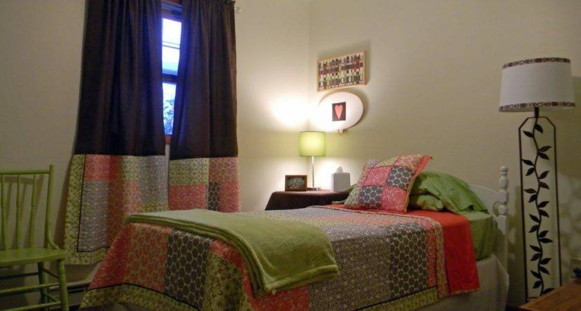 Small Bedroom Colors Designs Nice Green Chair