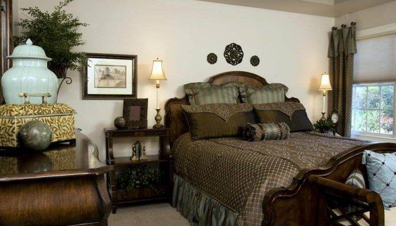 Small Master Bedroom Decorating Ideas Make Space