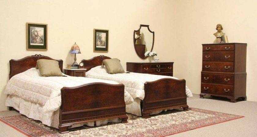 Sold Georgian Vintage Bedroom Set Harp