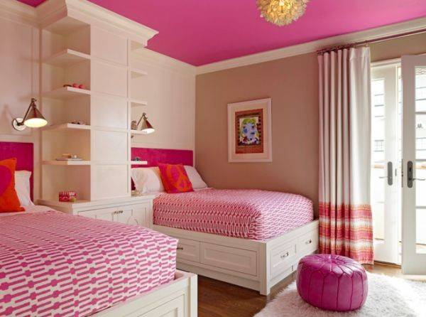Space Efficient Chic Shared Girls Bedroom Design Ideas