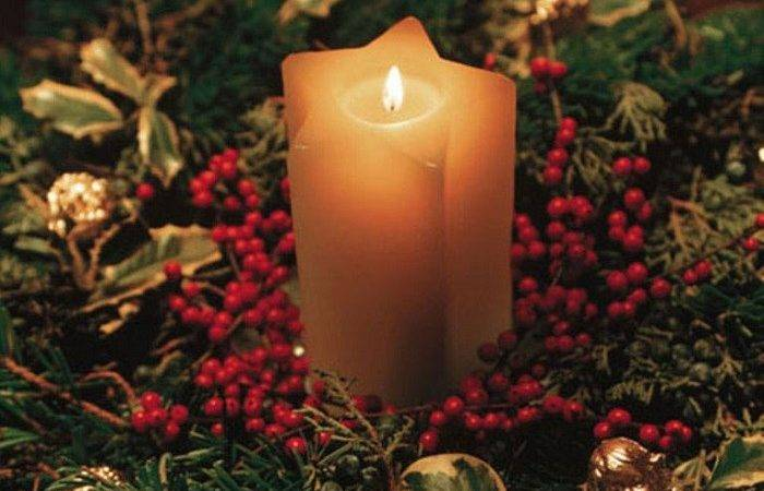 Stunning Indoor Christmas Candle Inspirations