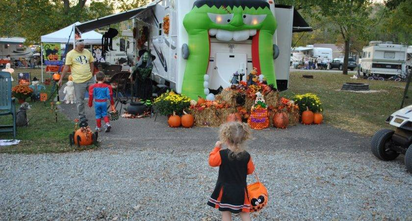 Tales Halloween Camping