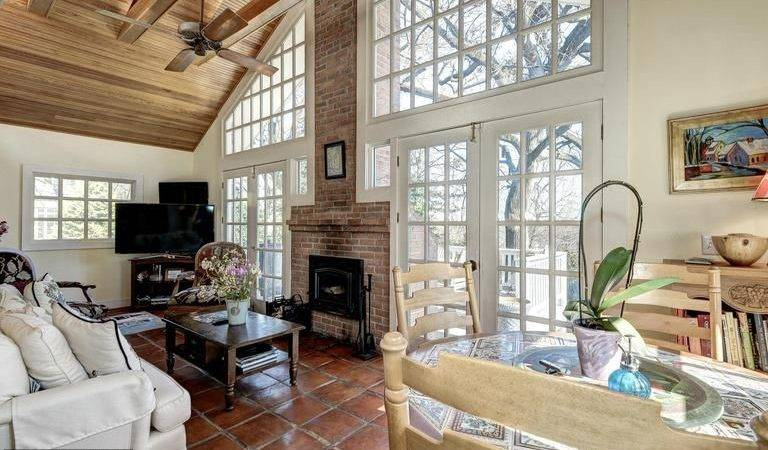 Traditional Living Room Terracotta Tile Floors