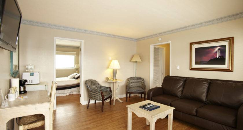 Two Bedroom Living Room Inn Sunset Cliffs