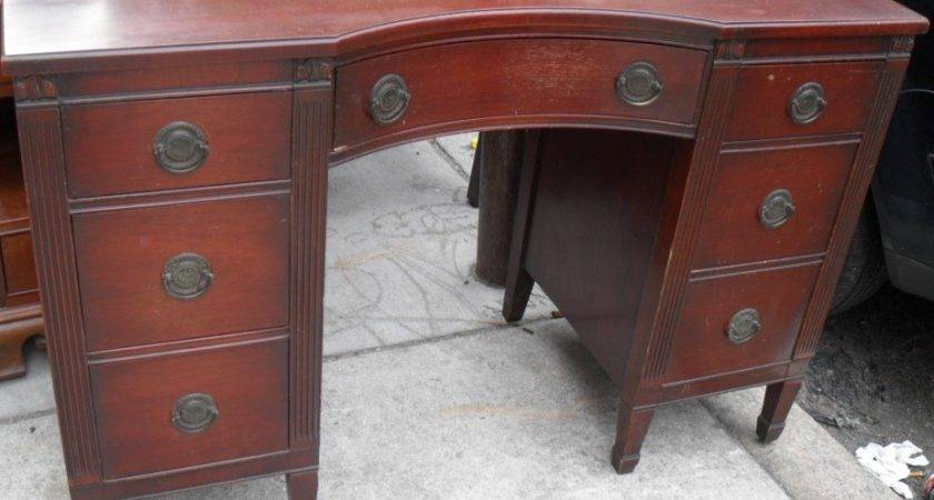 Uhuru Furniture Collectibles Mahogany Bedroom Set