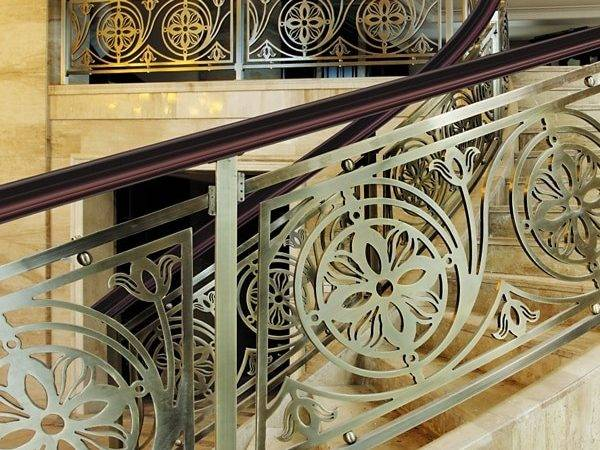 Vintage Style Antique Bronze Flowers Carving Stair Railing