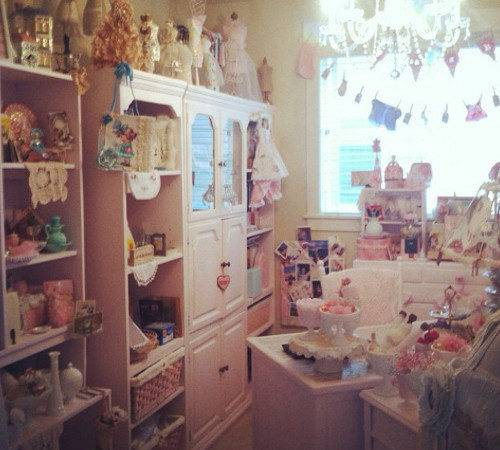 Wanda Shabby Chic Craft Room Think Crafts