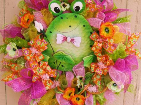 Whimsical Summer Frog Deco Mesh Wreath