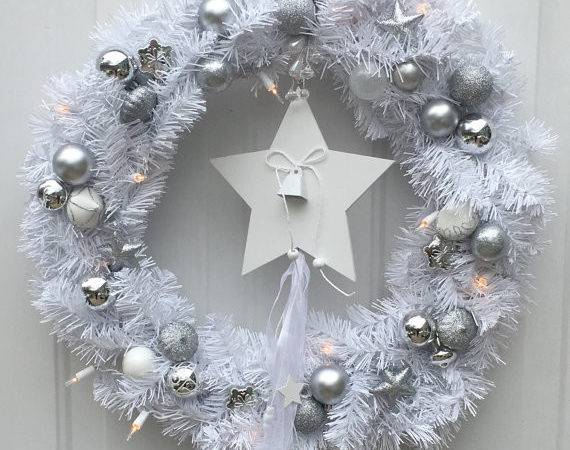 White Christmas Wreath Lighted Holiday