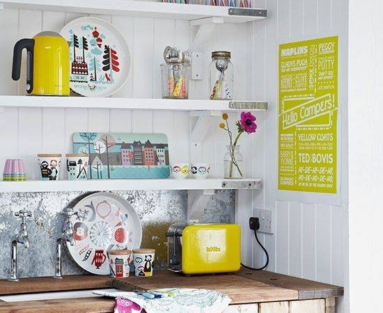White Kitchen Open Shelves Decorating