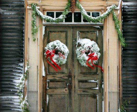 Yeowzers Christmas Doors Porches Some Beautiful Ideas